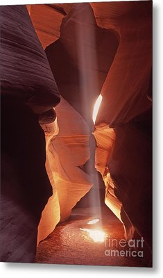 Metal Print featuring the photograph Shaft Of Light Antelope Canyon by Liz Leyden