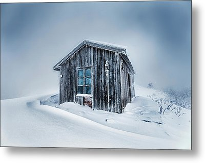 Shed In The Blizzard Metal Print by Evgeni Dinev