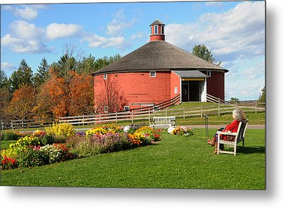 Metal Print featuring the photograph Shelburne Round Barn by Paul Miller