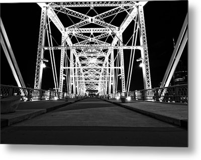 Shelby Street Bridge At Night In Nashville Metal Print