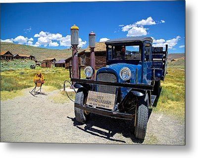 Shell Station In Bodie Metal Print