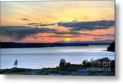 Metal Print featuring the photograph Showers Over Mcneil Island - Chambers Bay Golf Course by Chris Anderson