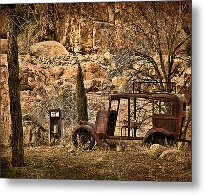Shuttle Transport Metal Print by Priscilla Burgers