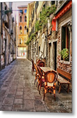 Sidewalk Cafe In Venice Metal Print by Sylvia Cook