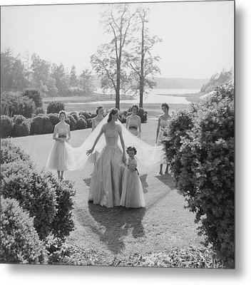 Sidney Bacon In Garden With Her Bridesmaids Metal Print