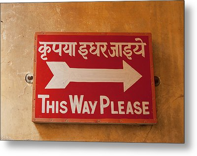 Sign In Hindi And English, City Palace Metal Print by Inger Hogstrom