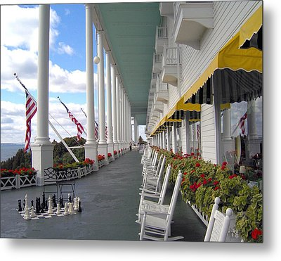 Silent Rockers At The Grand Hotel Metal Print by Liz Evensen