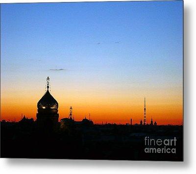 Silhouette In St. Petersburg Metal Print by Lars Ruecker