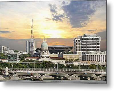 Singapore Parliament Building And Supreme Law Court  Metal Print by David Gn