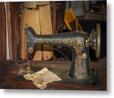 Metal Print featuring the photograph Singer Sewing Machine  by Trace Kittrell
