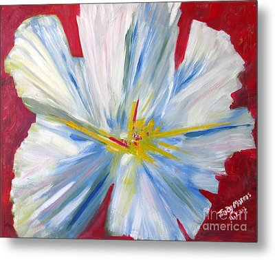 Single White Flower Metal Print