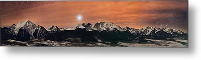Sirius Diffusion Over The Gore Range Metal Print by Mike Berenson