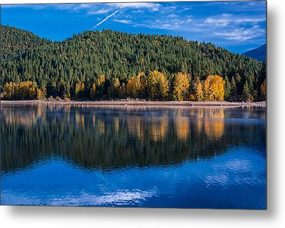 Siskiyou Lake Shoreline Metal Print by Greg Nyquist