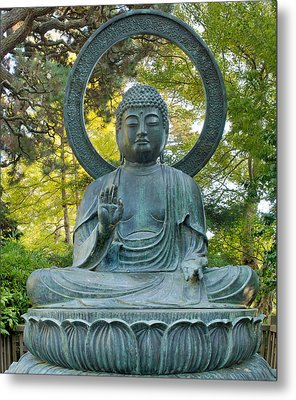 Sitting Bronze Buddha At San Francisco Japanese Garden Metal Print by David Gn