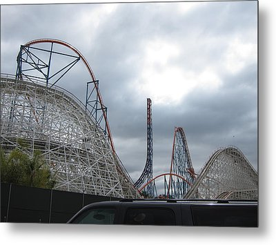 Six Flags Magic Mountain - 121211 Metal Print by DC Photographer