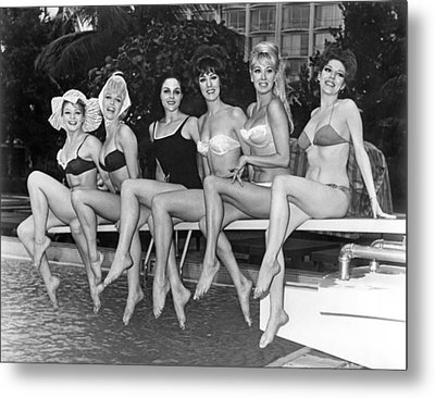 Six Showgirls At The Pool Metal Print by Underwood Archives
