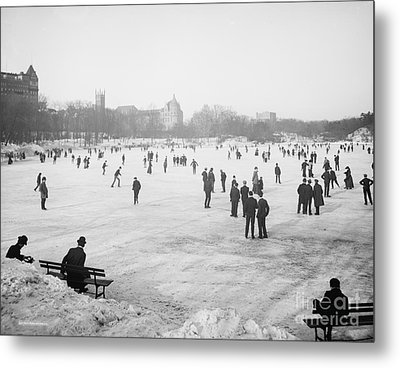 Skating In Central Park Metal Print
