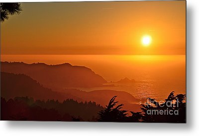 Skies Of Gold At Pedro Point Metal Print