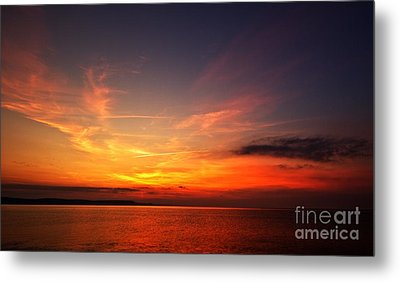 Metal Print featuring the photograph Skies On Fire by Baggieoldboy