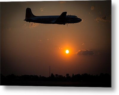 Metal Print featuring the photograph Skymaster Sunset by Paul Job