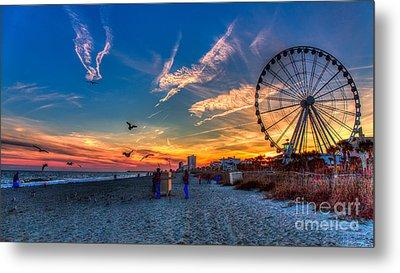 Skywheel Sunset At Myrtle Beach Metal Print by Robert Loe
