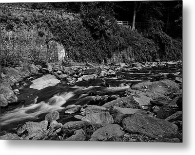 Slow River Metal Print by Lesley Rigg