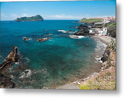 Small Bay And Islet Metal Print by Gaspar Avila