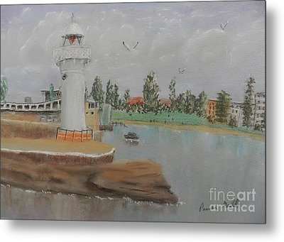 Small Lighthouse At Wollongong Harbour Metal Print