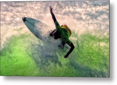 Snap Turn Metal Print by Michael Pickett