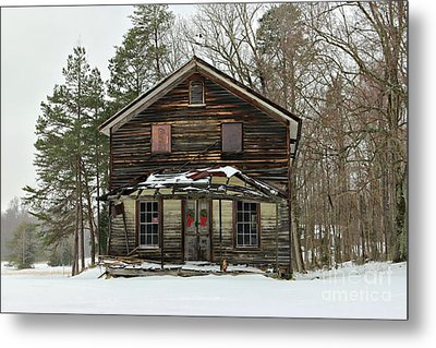 Snow On The General Store Metal Print by Benanne Stiens