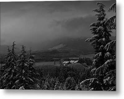 Metal Print featuring the photograph Snow On The Horizon Bw by Timothy Latta