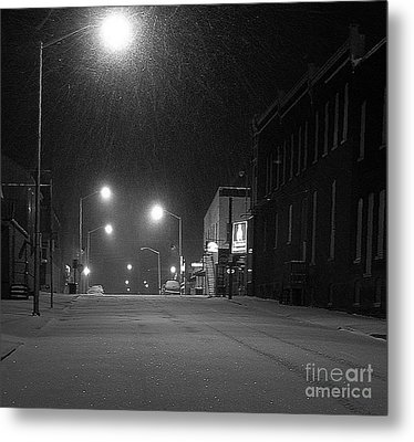 Snowing On W. Fourth St. Metal Print