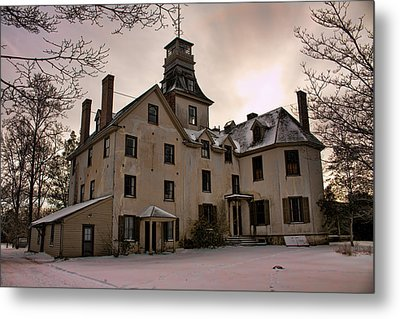 Snowy Evening At Batsto Mansion Metal Print by Kristia Adams