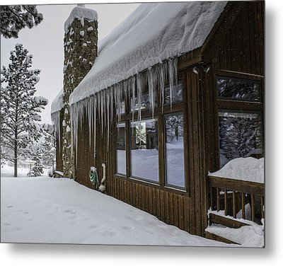 Snowy House Metal Print by Tom Wilbert