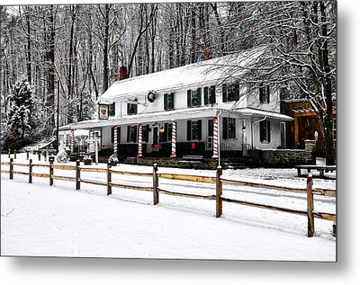 Snowy Valley Green Metal Print by Bill Cannon