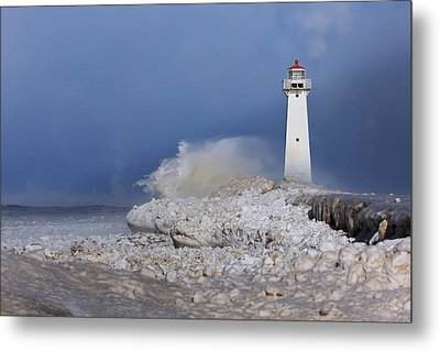 Sodus Bay Lighthouse Metal Print by Everet Regal