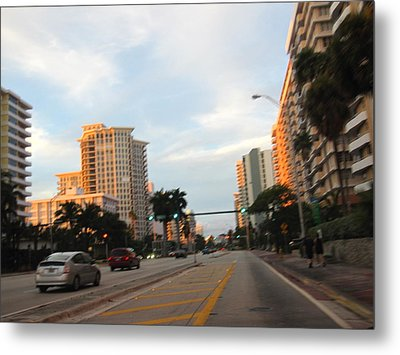 South Beach - 121242 Metal Print by DC Photographer