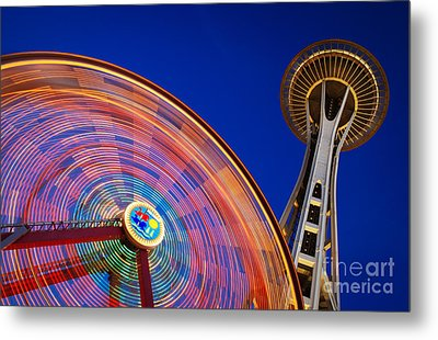 Space Needle And Wheel Metal Print by Inge Johnsson