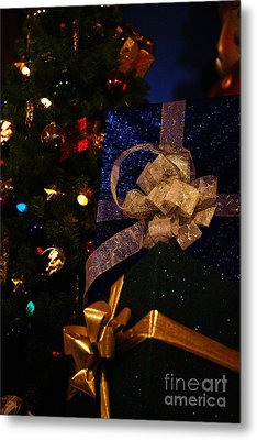 Metal Print featuring the photograph Sparkle Ribbon And Bows by Linda Shafer