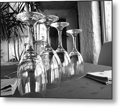 Metal Print featuring the photograph Sparkling Glasses by Oscar Alvarez Jr