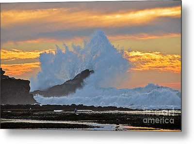 Splash - Mavericks Metal Print