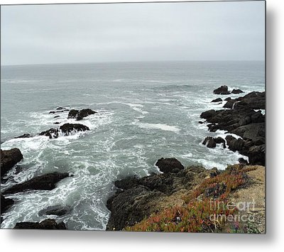 Metal Print featuring the photograph Splashing Ocean Waves by Carla Carson
