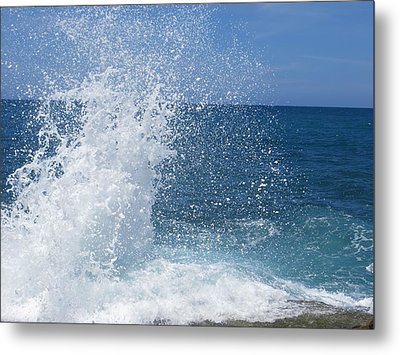Splash Metal Print by Jean Marie Maggi