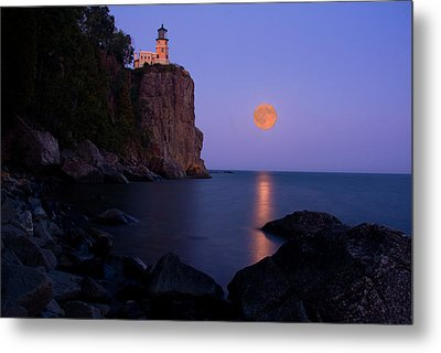 Split Rock Lighthouse - Full Moon Metal Print by Wayne Moran