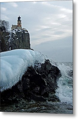 Metal Print featuring the photograph Split Rock Lighthouse Winter by James Peterson