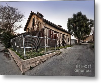 Spooky Chino Barn Metal Print by Gregory Dyer