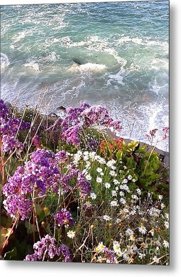 Metal Print featuring the photograph Spring Greets Waves by Susan Garren