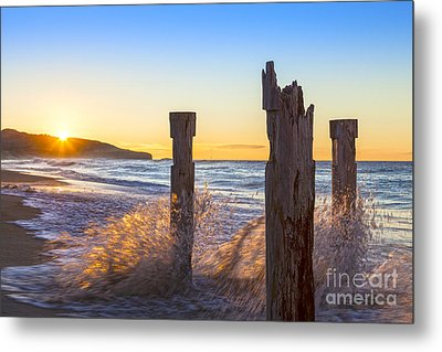 St Clair Beach Dunedin At Sunrise Metal Print by Colin and Linda McKie