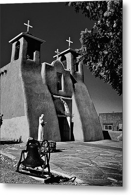 St Francis In Black And White Metal Print by Charles Muhle