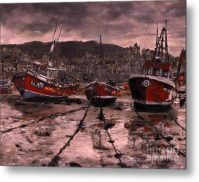 Staithes At Low Tide Metal Print by Randy Sprout
